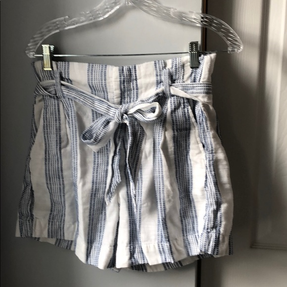 H&M Pants - *6/$30* H&M Nautical Belted Shorts- 6
